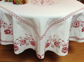 Christmas tablecloth reverisble with red and ecru baubles designs