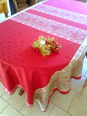 Jacquard tablecloth with chrismas theme