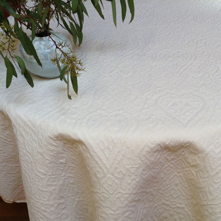pique quilted tablecloth boutis style