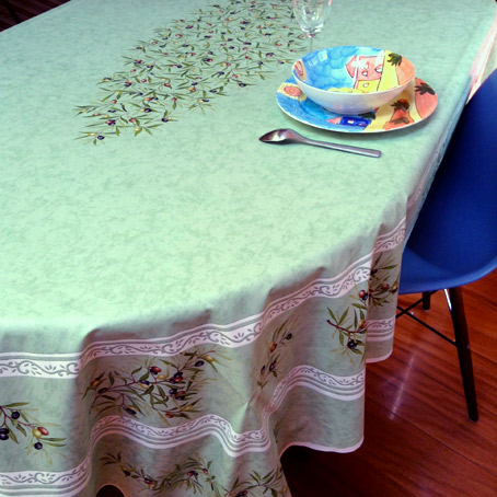 Oval coated tablecloths from France