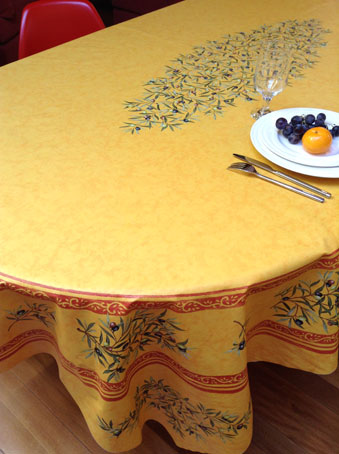 8 seater oval tablecloth with acrylic coating