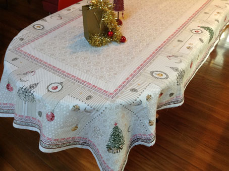 8 seater christmas tablecloth with fir trees and baubles
