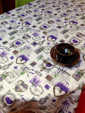 lavender design cotton and coated fabric from Provence