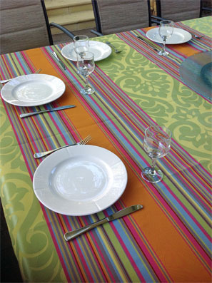 Jacquard tablecloth with teflon treatment
