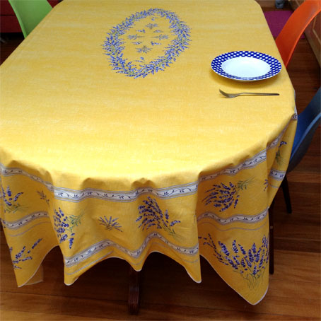 acrylic tablecloth for 8 seater table