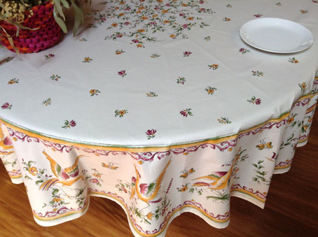 70in or 90in round coated wipe-over tablecloth