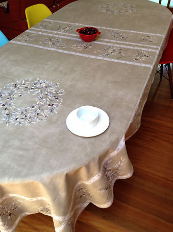 12 seater tablecloth with french olive design