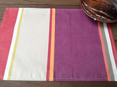 coated basque design placemat