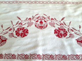 Christmas tablecloth with baubles designs